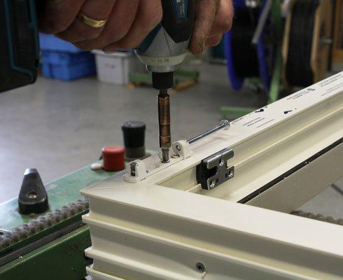Kunststof-Aluminium-Kozijn-Service-Reparatie-Onderhoud